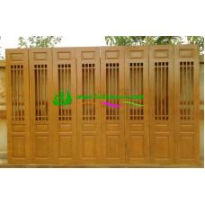 ประตูบานเฟี้ยมไม้สัก รหัส F14