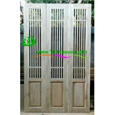 ประตูบานเฟี้ยมไม้สัก รหัส F18